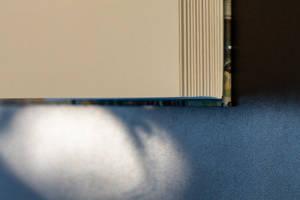 un livre de belle facture, papiers, impressions, couvertures